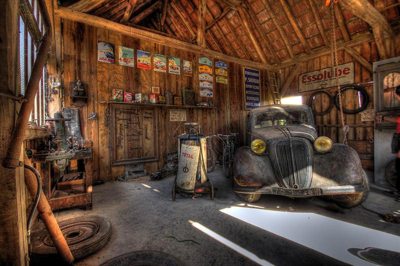 Ancien garage - Garage qui recherche des apprenti mecanicien ...