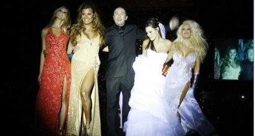 Claudio Cosano viene trabajando desde hace tiempo con las figuras de primera línea. Por estos días, está terminando el vestido de novia para Wanda Nara y