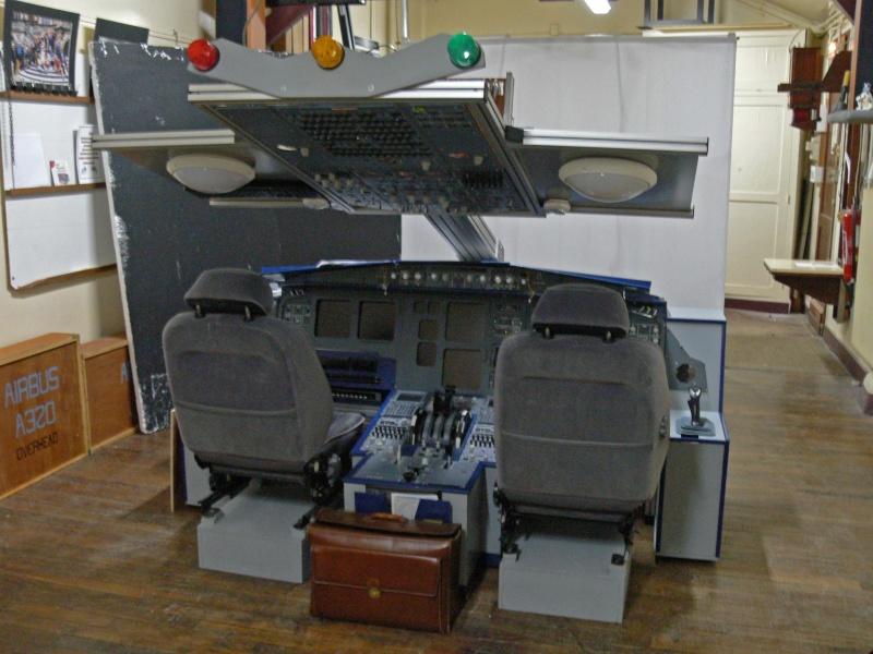 vue cockpit du spectacteur a320. Black Bedroom Furniture Sets. Home Design Ideas