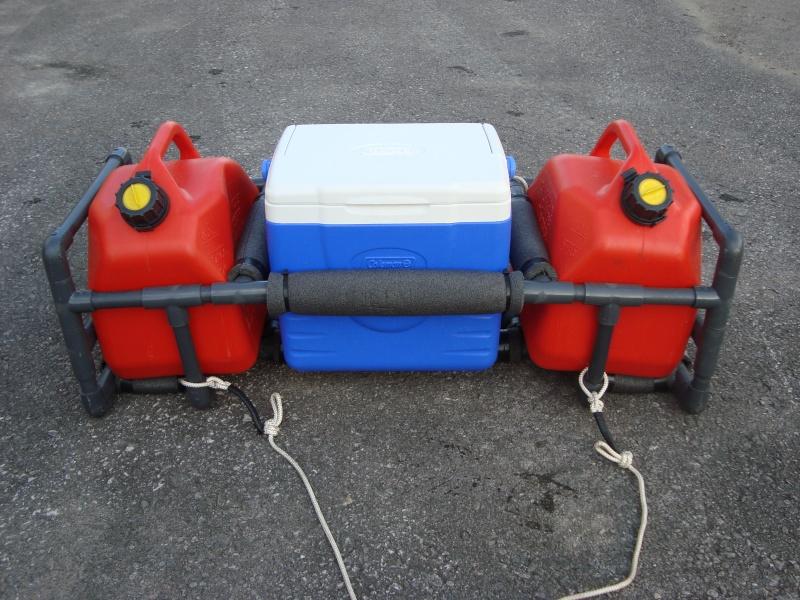 rack a gaz et glaciere pour motomarine. Black Bedroom Furniture Sets. Home Design Ideas