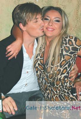 Puthje të nxehta mes Bleros dhe Ingrid Gjonit