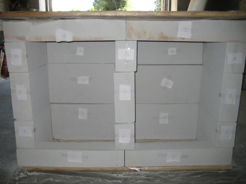 Construction d 39 un meuble aquarium en b ton cellulaire for Meuble beton cellulaire