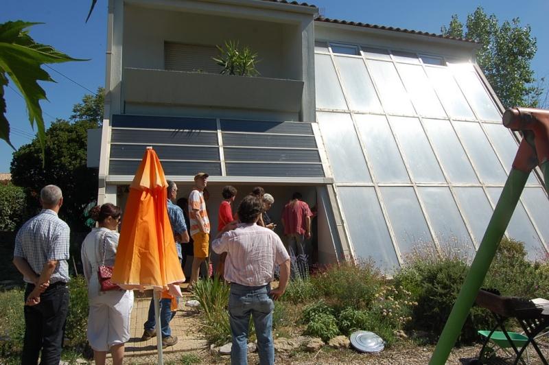 forum citoyen, une visite de maison bioclimatique avec le collectif ville en transition de Frontignan