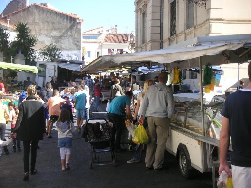 forum frontignan, un marché aux couleurs de l'été