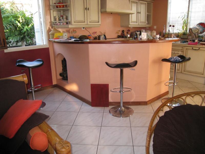 quelle couleur des murs choisir pour cette cuisine page 2. Black Bedroom Furniture Sets. Home Design Ideas