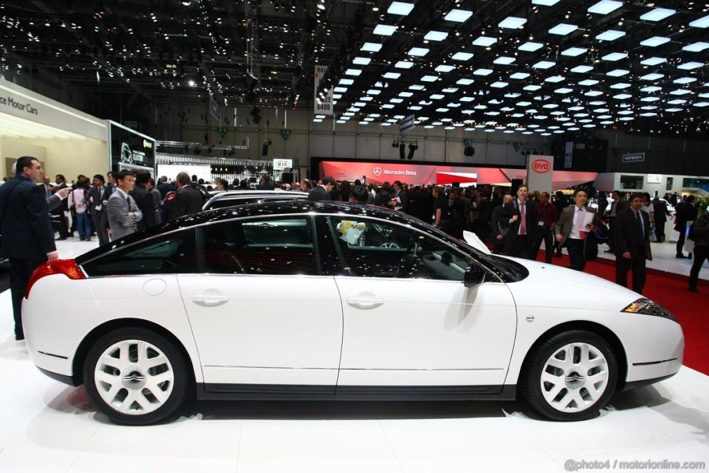 Salon de l'auto Genève 2011 - Citroën C6 Noir Et Blanc (2)