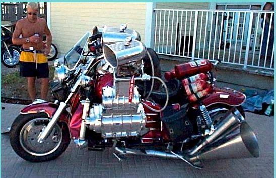 la moto qui est peut etre plus puissante que beki. Black Bedroom Furniture Sets. Home Design Ideas