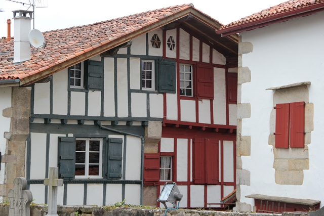 Photos preferees 4 - Maison volet rouge basque ...
