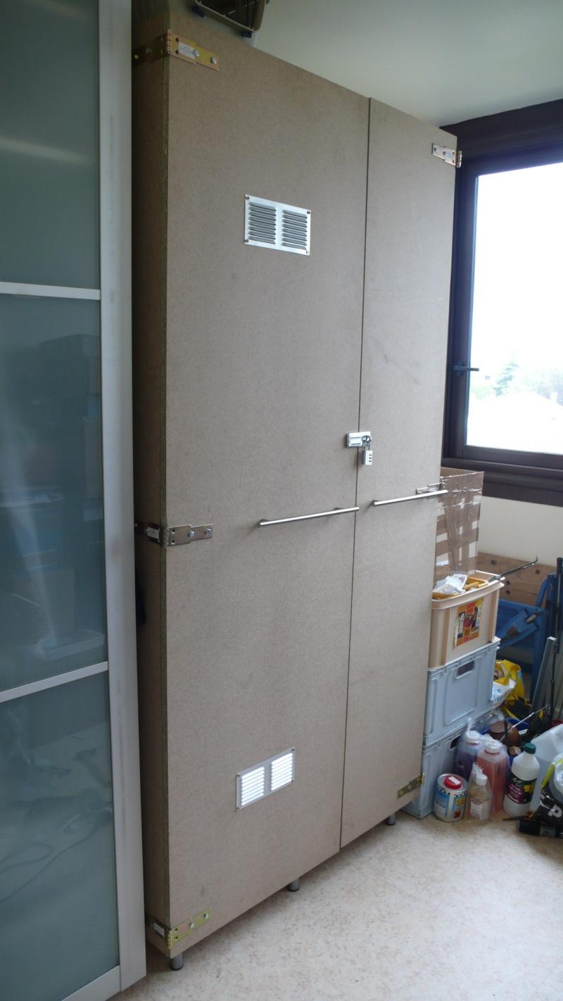 armoire pour ranger le matos equestre sur mesure page 2. Black Bedroom Furniture Sets. Home Design Ideas