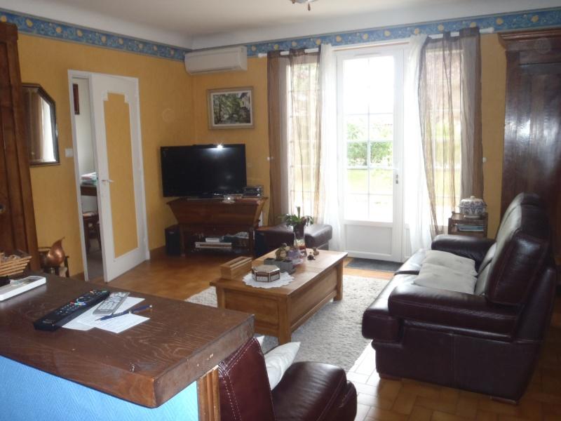 couleur murs salon salle à manger et meuble rustique chêne foncé ... - Couleur Pour Une Salle A Manger