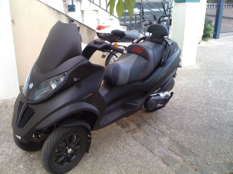vendu vends piaggio mp3 sport 400 lt noir mat. Black Bedroom Furniture Sets. Home Design Ideas