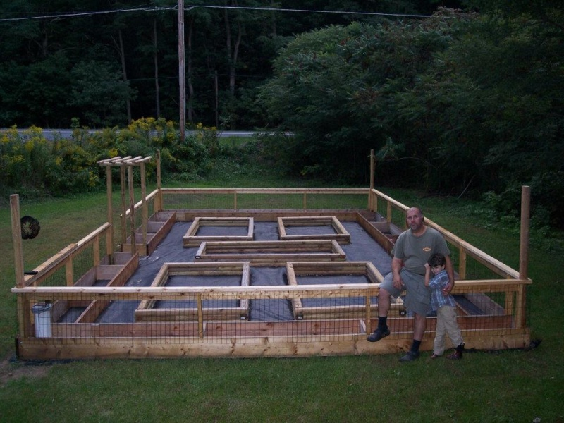 Ordinaire Fenced In Garden Home Design Ideas And Pictures