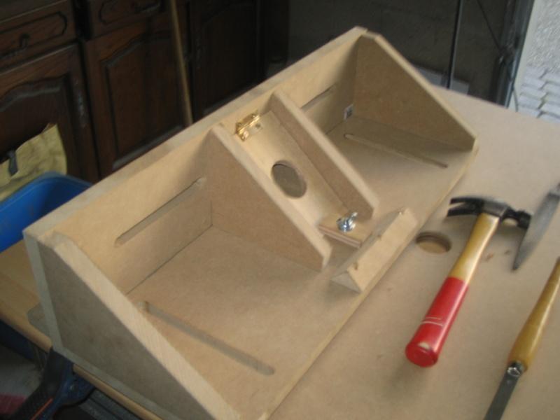 D fonceuse sous table a la russe - Fabriquer une table pour scie circulaire ...