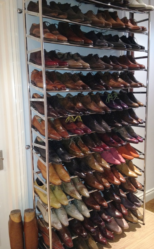 etagere chaussure inclinee